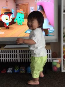 せいぶのねこキャリーで踊る息子