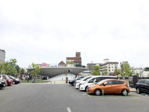 天理駅前広場駐車場