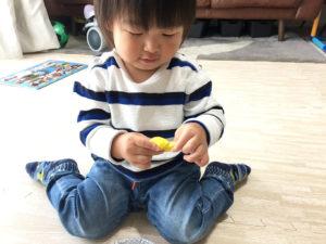 こむぎ粘土で遊ぶ