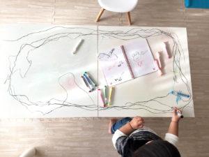 テーブル全体にお絵描き