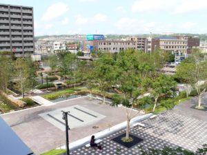秋の虎渓用水広場全体
