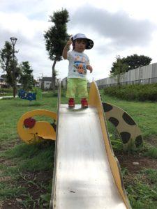 幼児遊具すべり台