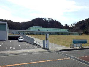 横須賀美術館外観