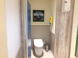 トーマスレストラントイレ個室