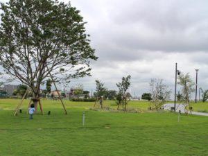 隣の殿町第2公園