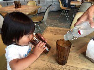 リバーカフェで子連れカフェ