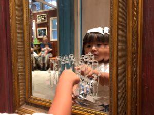 鏡にもニョロニョロ