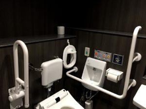 多目的トイレの補助便座