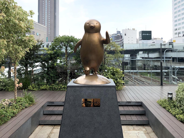 Suicaのペンギンブロンズ像