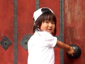 赤門で記念撮影