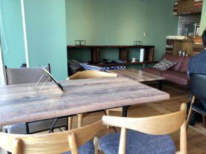 2Fカフェ&ラウンジソファ席