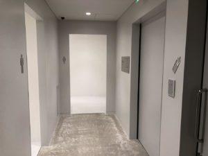 地下1F授乳室とトイレ