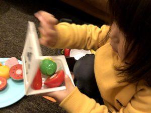パクパク食べる納豆パックのおもちゃ
