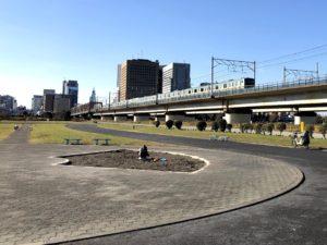 東海道線とバイオリン公園